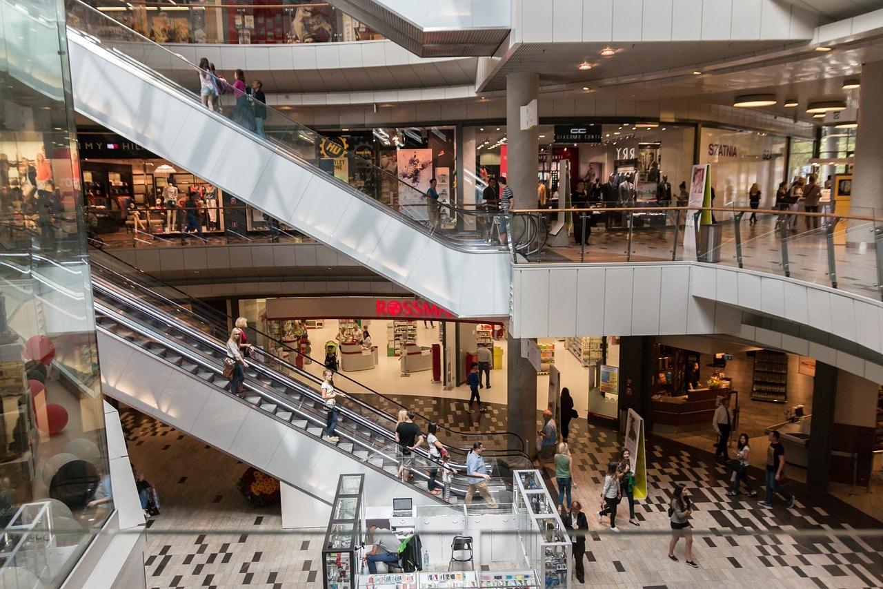 La tendencia de probar cosas en tienda física y terminar la compra en el mundo online va en aumento