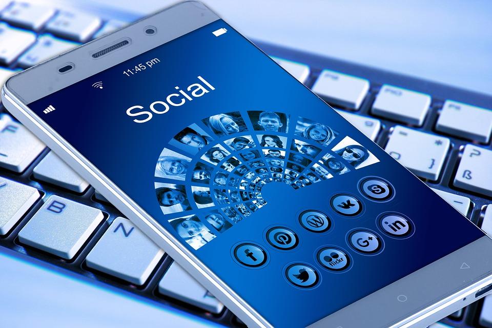 Redes sociales, una herramienta indispensable para establecer nuevas conexiones
